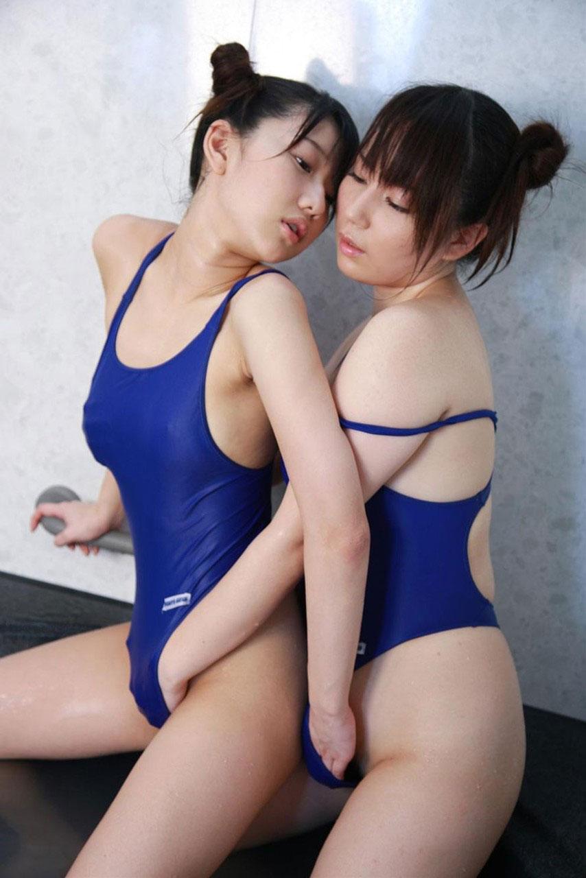 【おっぱい】レズビアンの画像って二人のおっぱいを同時に見れてお得だよなwww【35枚】 33
