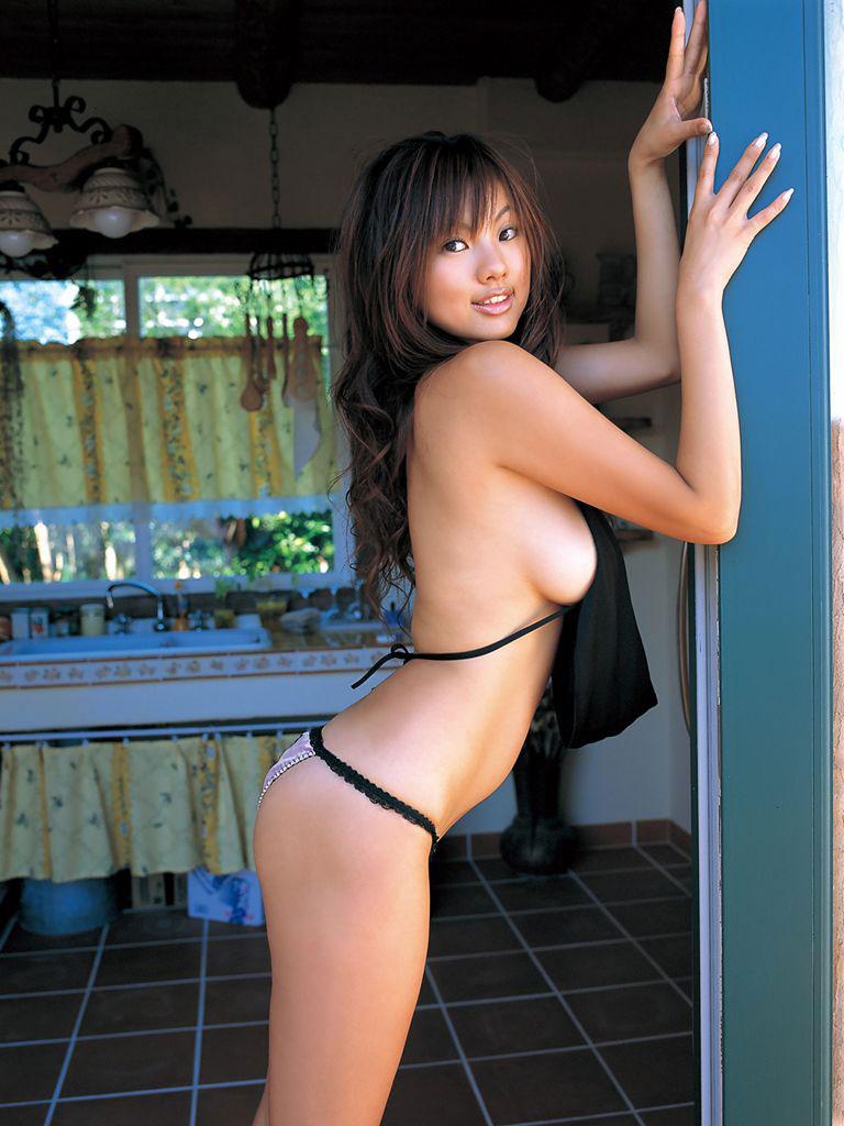 【おっぱい】紳士のアングルこと横乳が男の心を捉えて離さないwww【34枚】 28