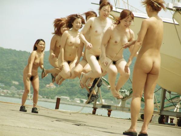 【おっぱい】おっぱいがたくさん楽しめる複数人のヌード画像で好みの女優を探す!w【47枚】 23