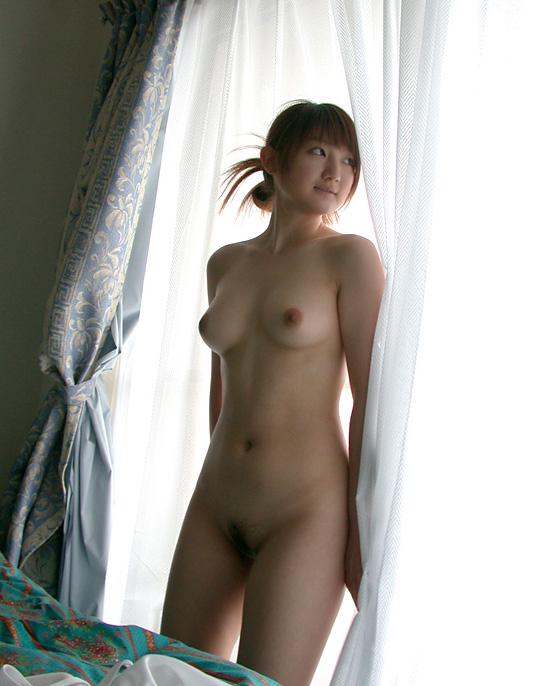 【おっぱい】安定と信頼の全裸ヌードから抜けるおっぱいだけを厳選してみた!【35枚】 33