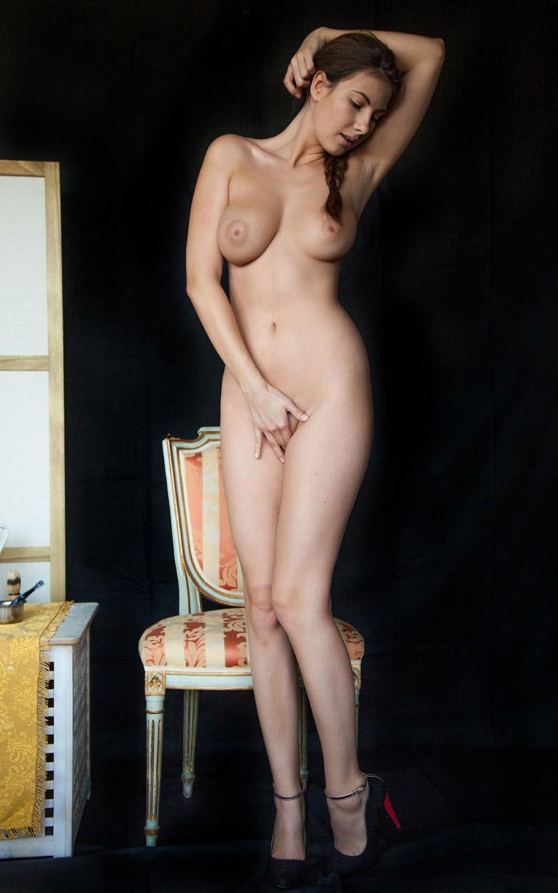 【おっぱい】身構えなくても自然とエロいと感じれるタイプの海外ヌード画像まとめ【32枚】 20