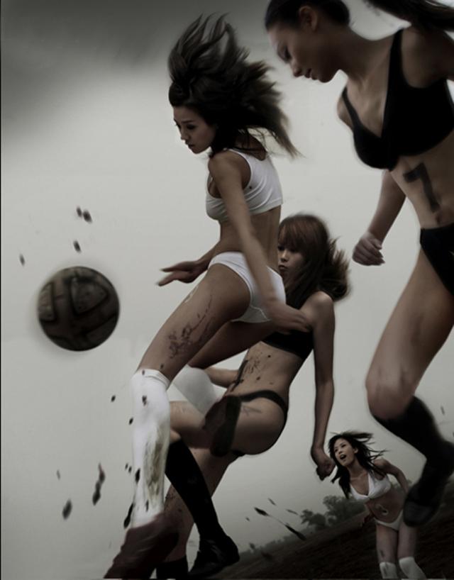 【スポブラ エロ】スポーツブラでおっぱい強調してる美巨乳女子たちが時に乳首ポッチンしてて全裸よりもエロ過ぎる件w 16
