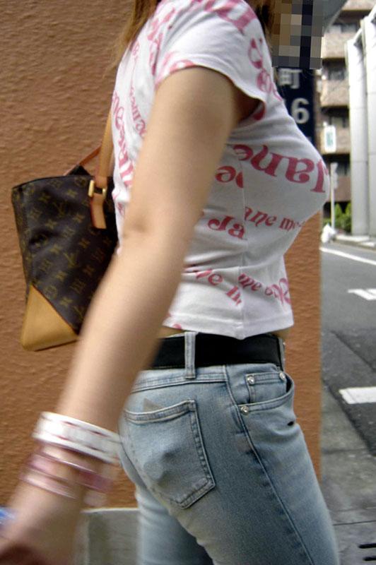 【おっぱい】いつか脱がせてやりたい巨乳素人の街撮り着衣画像www【20枚】 03