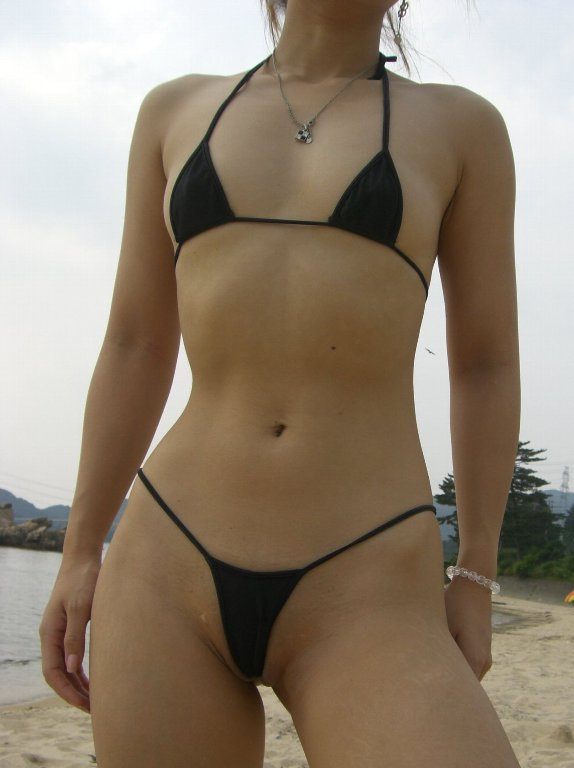 【おっぱい】布面積が少なすぎる水着を着るぐらいなら全裸の方がいいと思うんだwww【41枚】 07