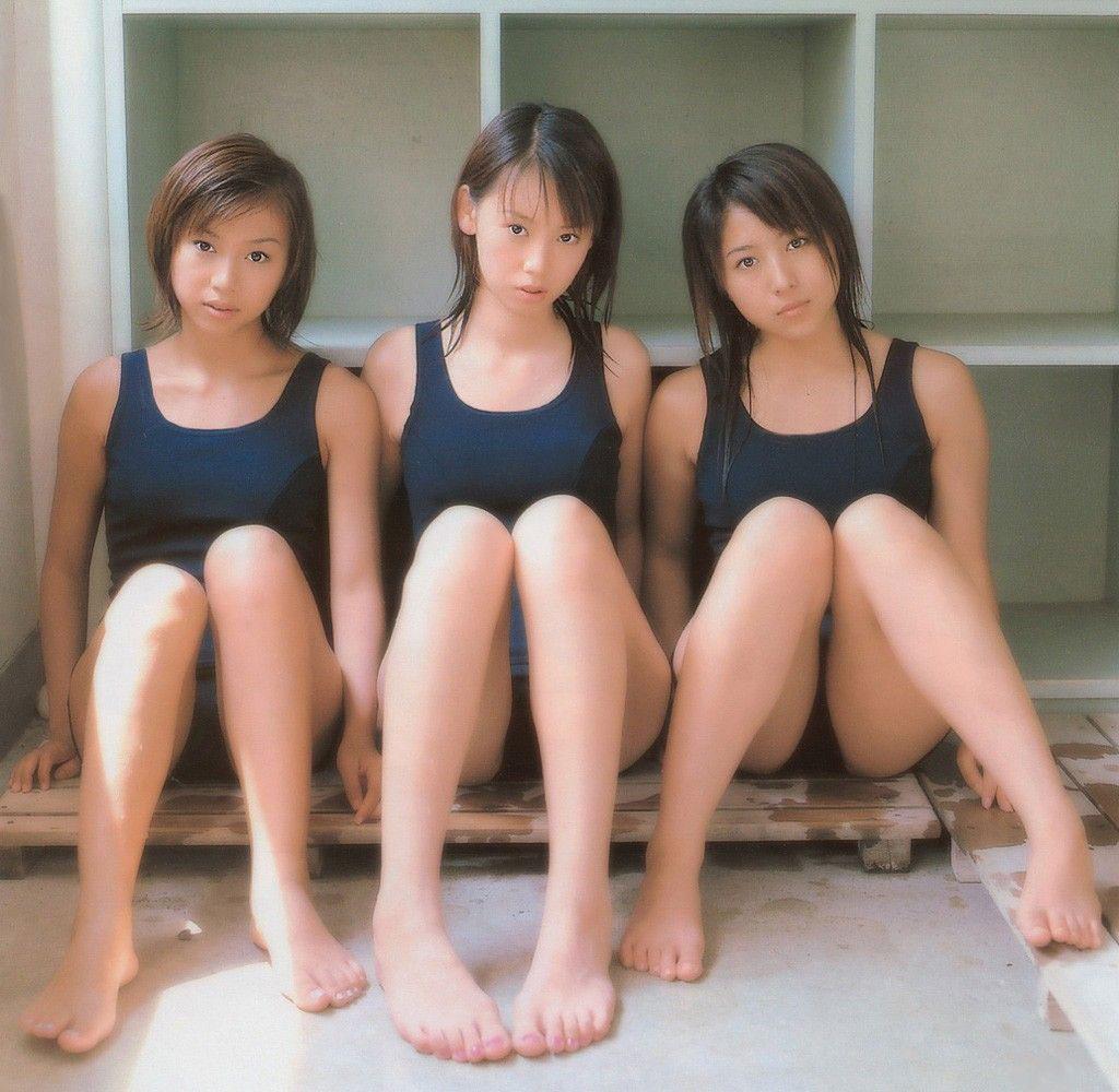 【おっぱい】スク水とか競泳水着ってビキニより露出低いのにエロいよなwww【39枚】 14