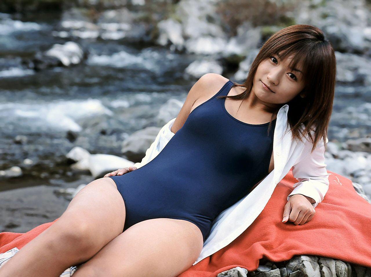【おっぱい】スク水とか競泳水着ってビキニより露出低いのにエロいよなwww【39枚】 39