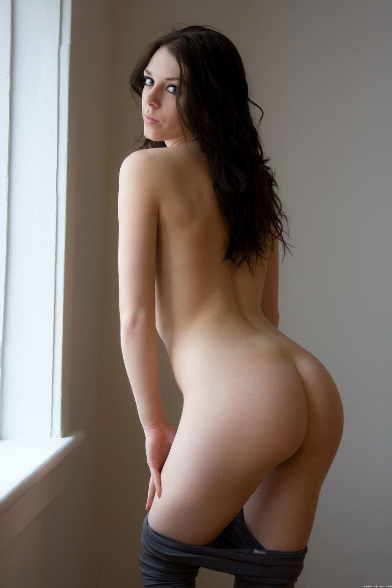 【おっぱい】日本人に飽きた人にための外国人の美麗ヌードをよろずで集めてみたwww【30枚】 14