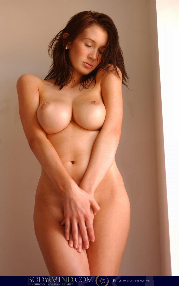 【おっぱい】日本人に飽きた人にための外国人の美麗ヌードをよろずで集めてみたwww【30枚】 26
