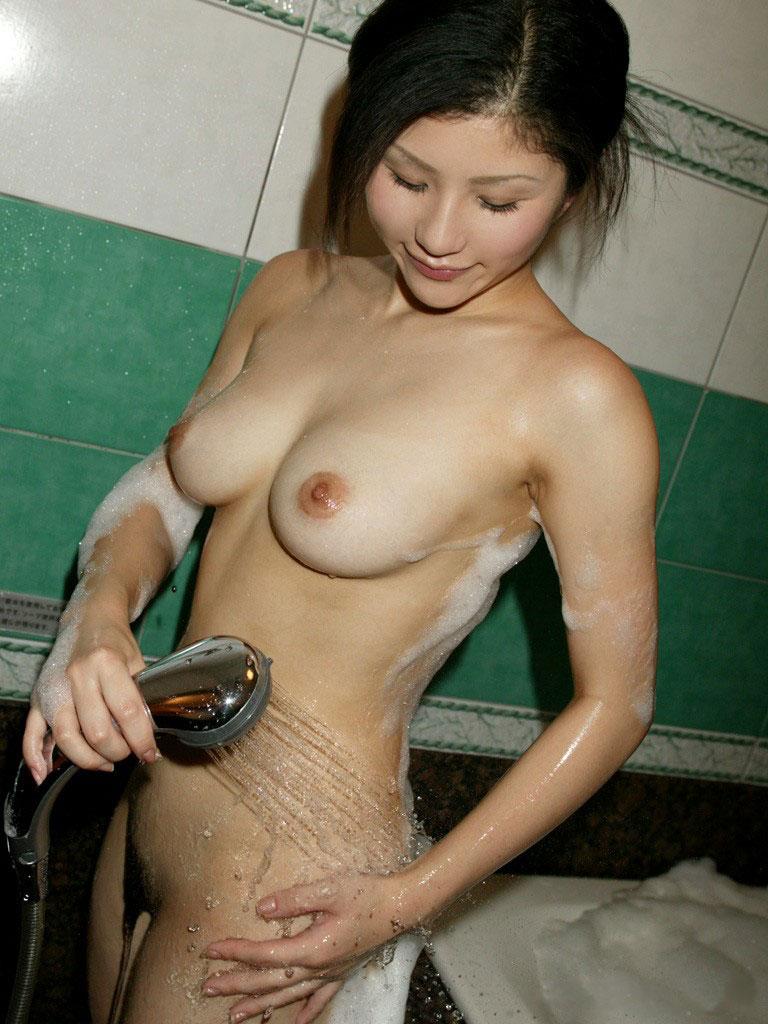 【おっぱい】風呂とか温泉のエロ画像って日本らしくていいよねwww【38枚】 表紙