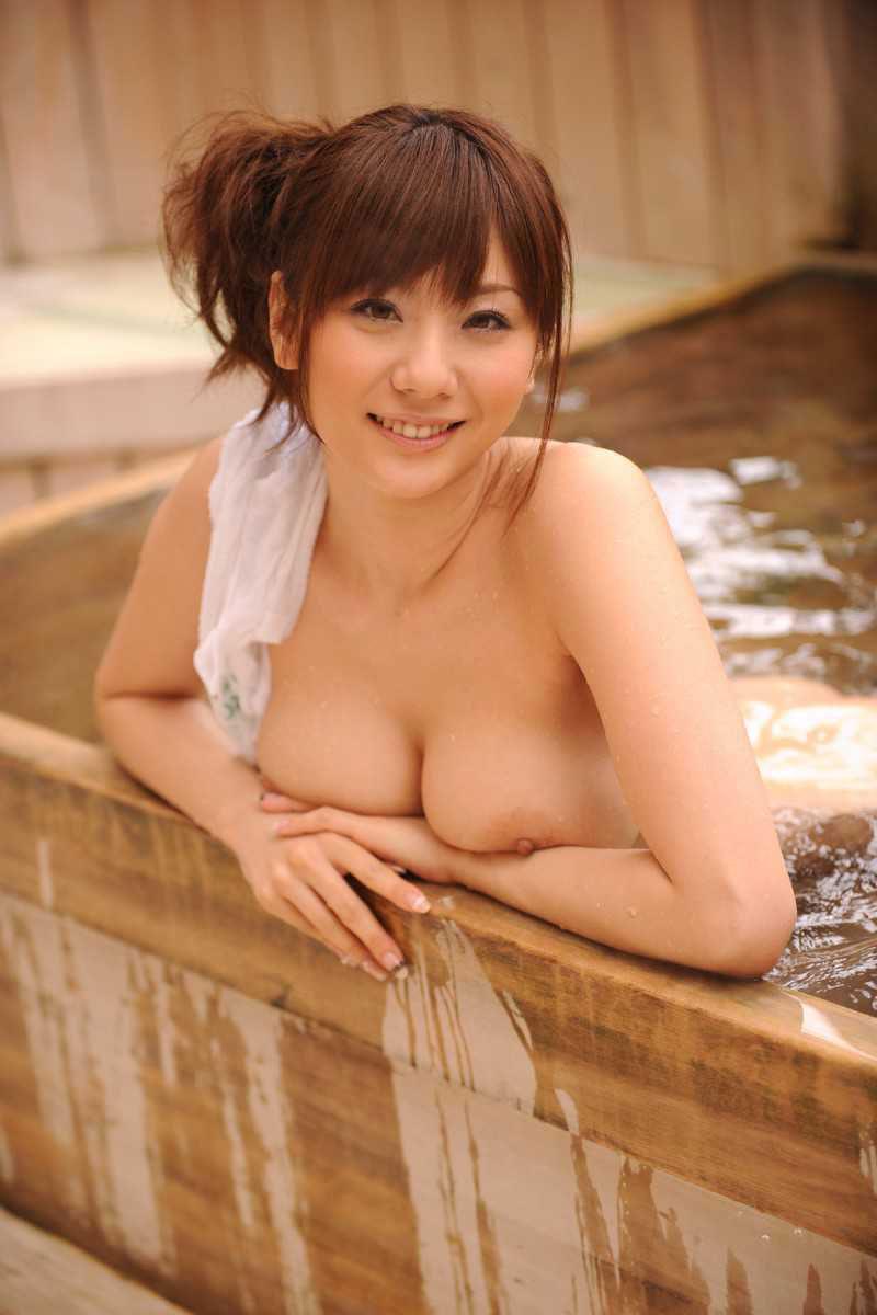 【おっぱい】風呂とか温泉のエロ画像って日本らしくていいよねwww【38枚】 05