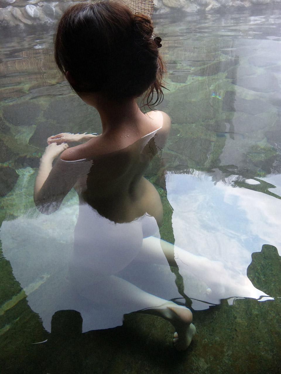 【おっぱい】風呂とか温泉のエロ画像って日本らしくていいよねwww【38枚】 09