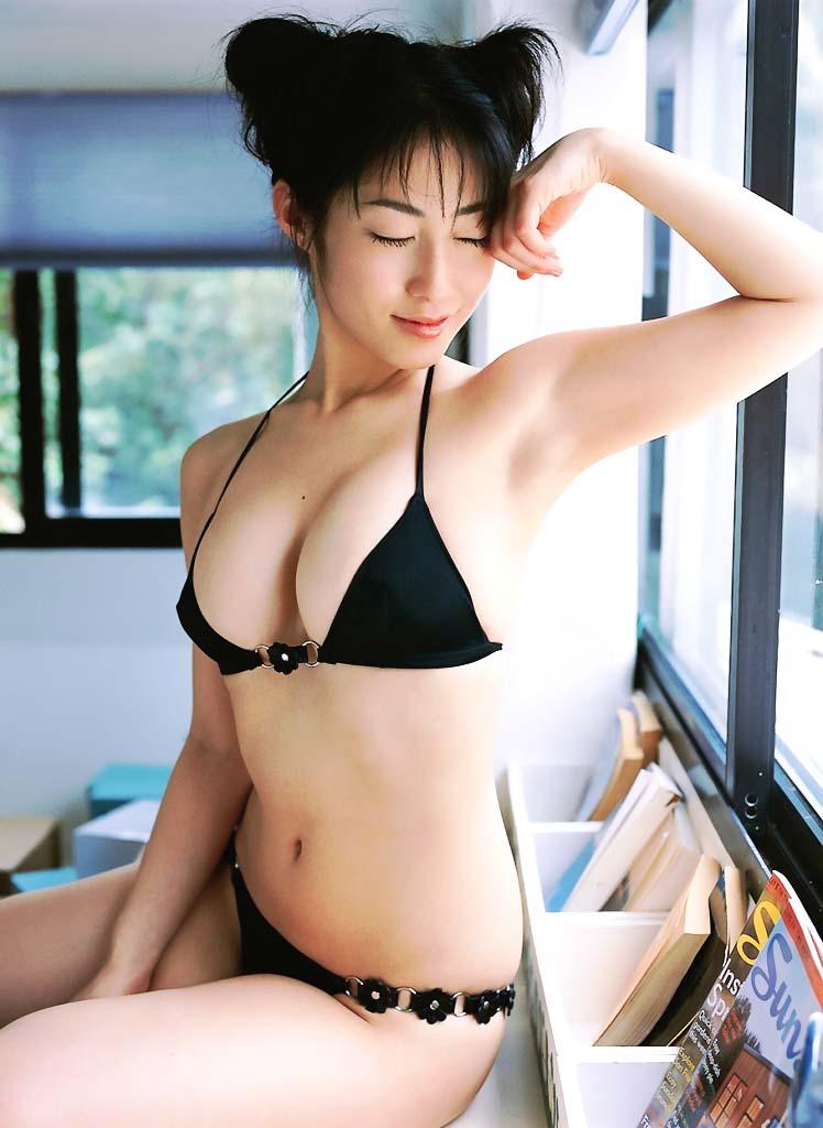 【おっぱい】スタイル抜群の美女がビキニを着たら、やっぱり格が違ったwww【34枚】 07
