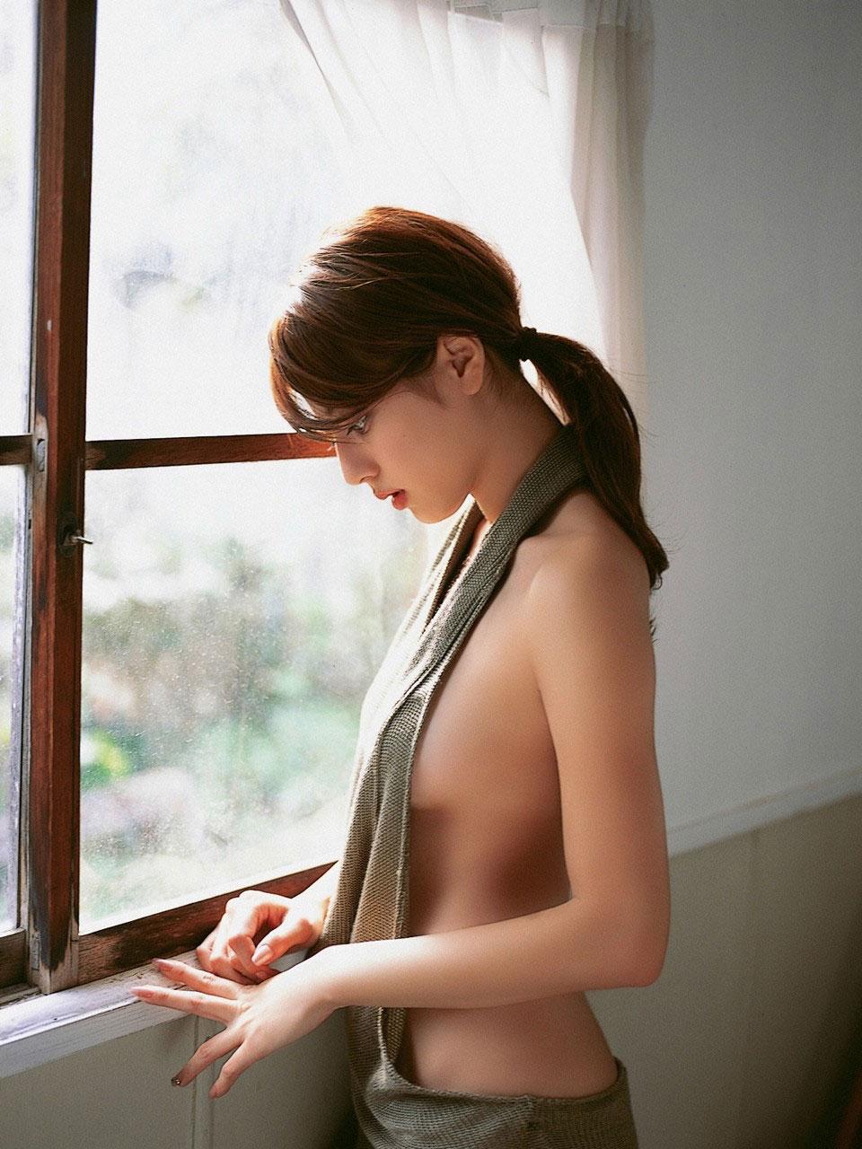 【おっぱい】誰がなんと言おうと横乳は乳首が見えているおっぱいよりもエロい!【31枚】 23