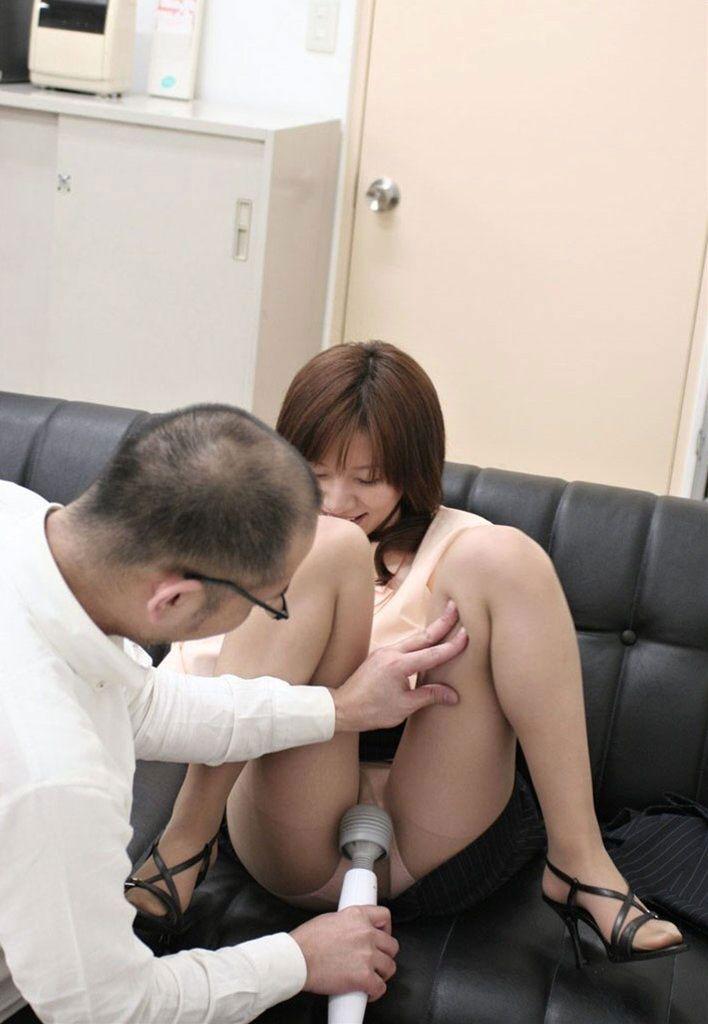 【おっぱい】自分で股間刺激してオナってる女の子の乳首を愛撫して手伝ってあげたい!【29枚】 14