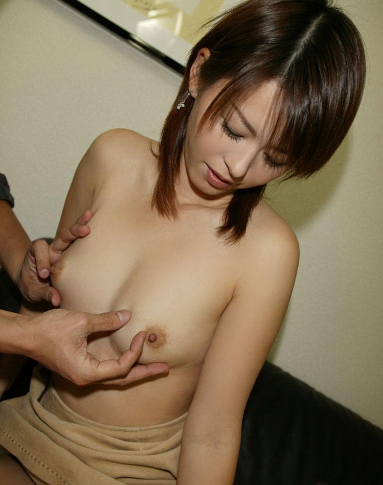 【おっぱい】誰が見ても巨乳と感じるレベルの立派な乳房をお持ちのお姉さんたちwww【30枚】 05