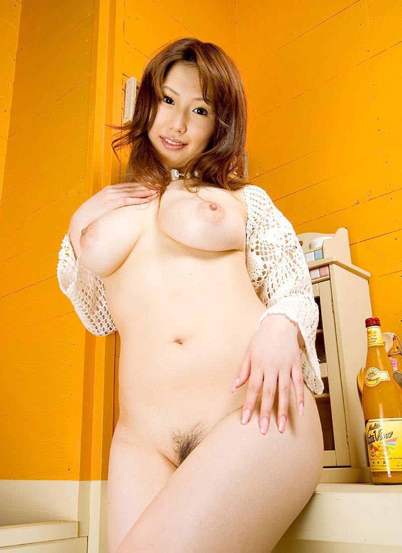 【おっぱい】誰が見ても巨乳と感じるレベルの立派な乳房をお持ちのお姉さんたちwww【30枚】 28
