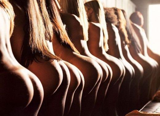 【おっぱい】四つん這いの垂れおっぱいをブルンブルン揺らせる後背位というセックスの体位www【32枚】 04