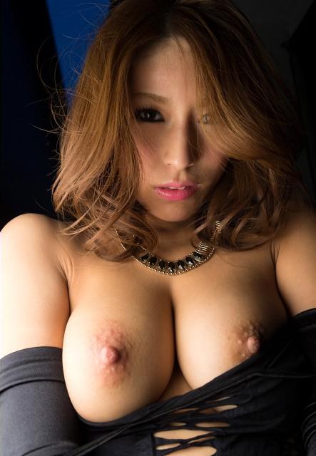 【おっぱい】一昔前なら爆乳として崇められていたであろう巨乳女性のおっぱい画像【30枚】 29