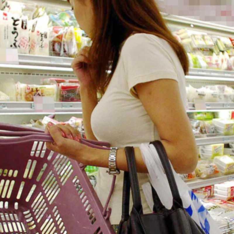 【おっぱい】巨乳好きの人は街中でも好みの女性がすぐにわかっていいなwww【30枚】 08