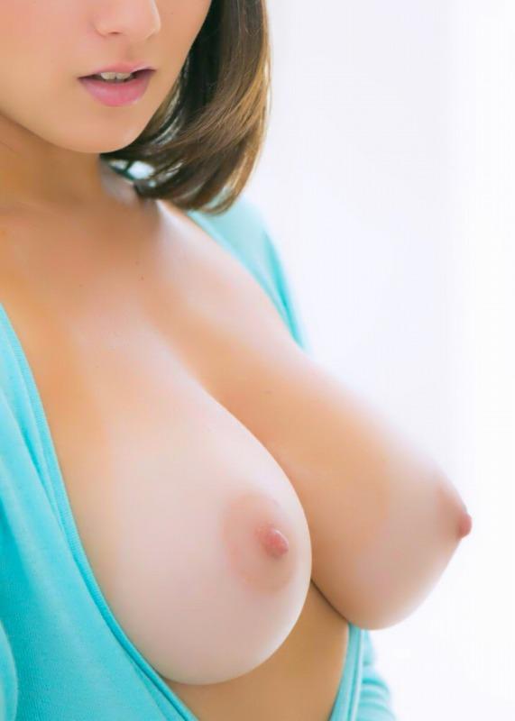 【おっぱい】形のいいおっぱいの安定度が半端ない美乳と美巨乳限定の厳選おっぱい画像【32枚】 22