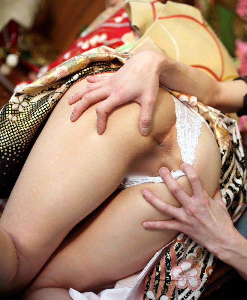 【おっぱい】伝統的な衣装は日本人の心と一緒に股間まで刺激してくるエロコスプレだった!【30枚】 08