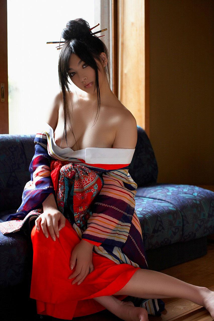 【おっぱい】伝統的な衣装は日本人の心と一緒に股間まで刺激してくるエロコスプレだった!【30枚】 20