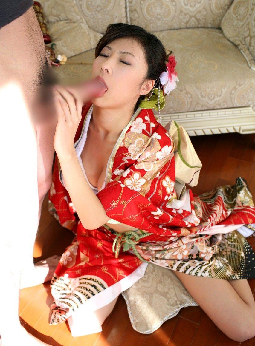 【おっぱい】伝統的な衣装は日本人の心と一緒に股間まで刺激してくるエロコスプレだった!【30枚】 27