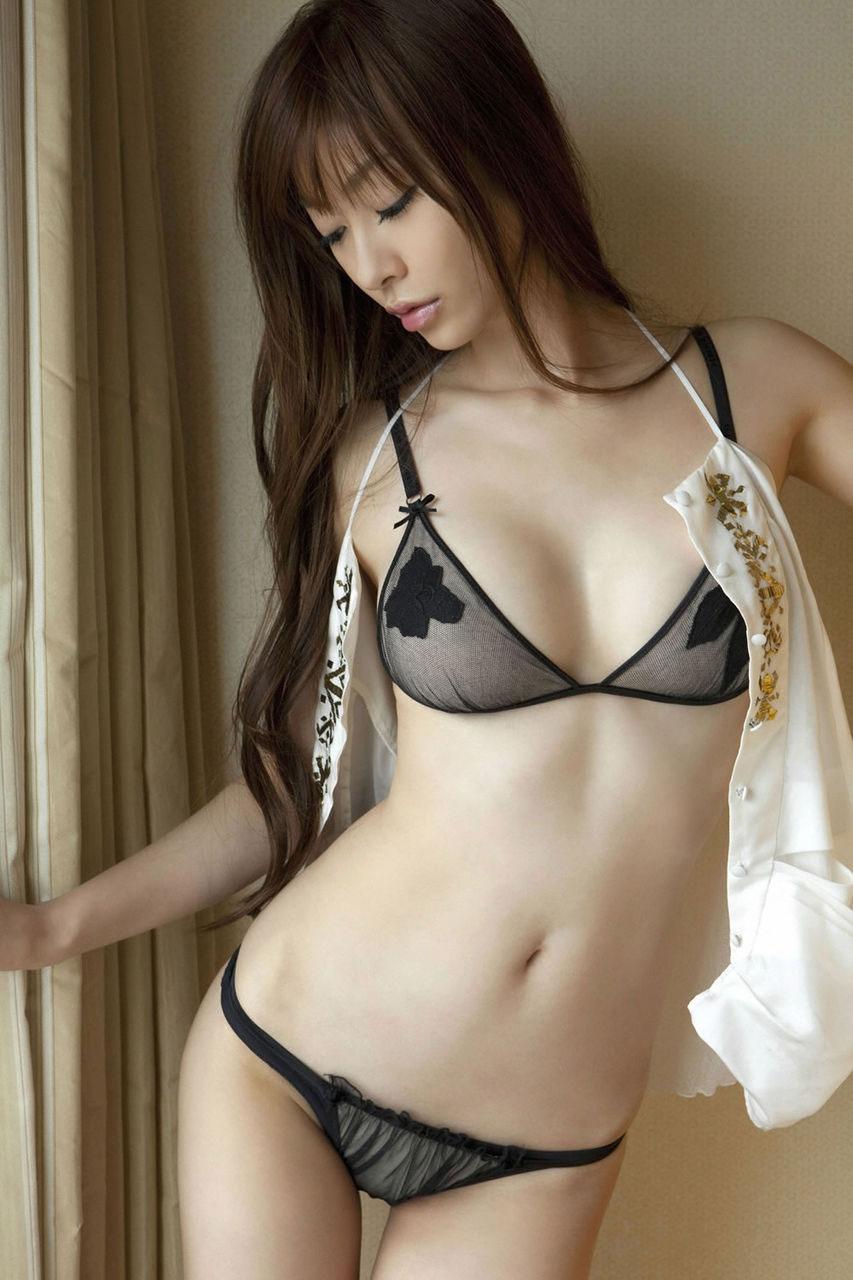 【おっぱい】隠されている乳首が気になりつつ全力でシコってしまうセクシーランジェリー【21枚】 15