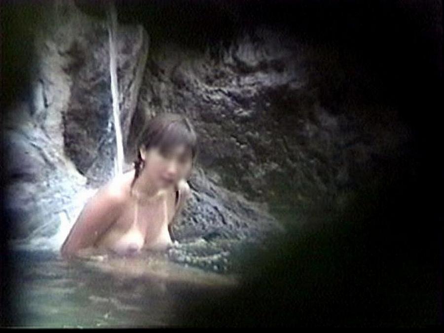 【おっぱい】男の目がないと思って素でお風呂を楽しんでいる素人さんたちwww【30枚】 12