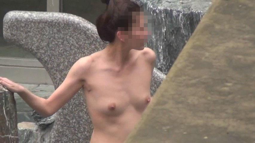 【おっぱい】男の目がないと思って素でお風呂を楽しんでいる素人さんたちwww【30枚】 17