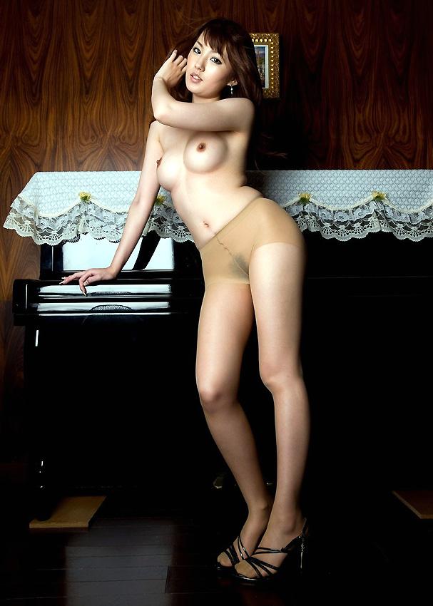 【おっぱい】全裸の女性がいたら、まずおっぱいを見て、次に全身を見て、最後におっぱいを見る!【33枚】 29