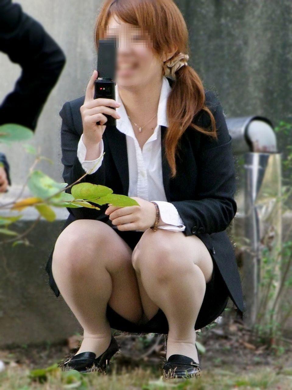 【おっぱい】会社で後輩OLに足コキされながらおっぱい懇願するのが夢です!【32枚】 16