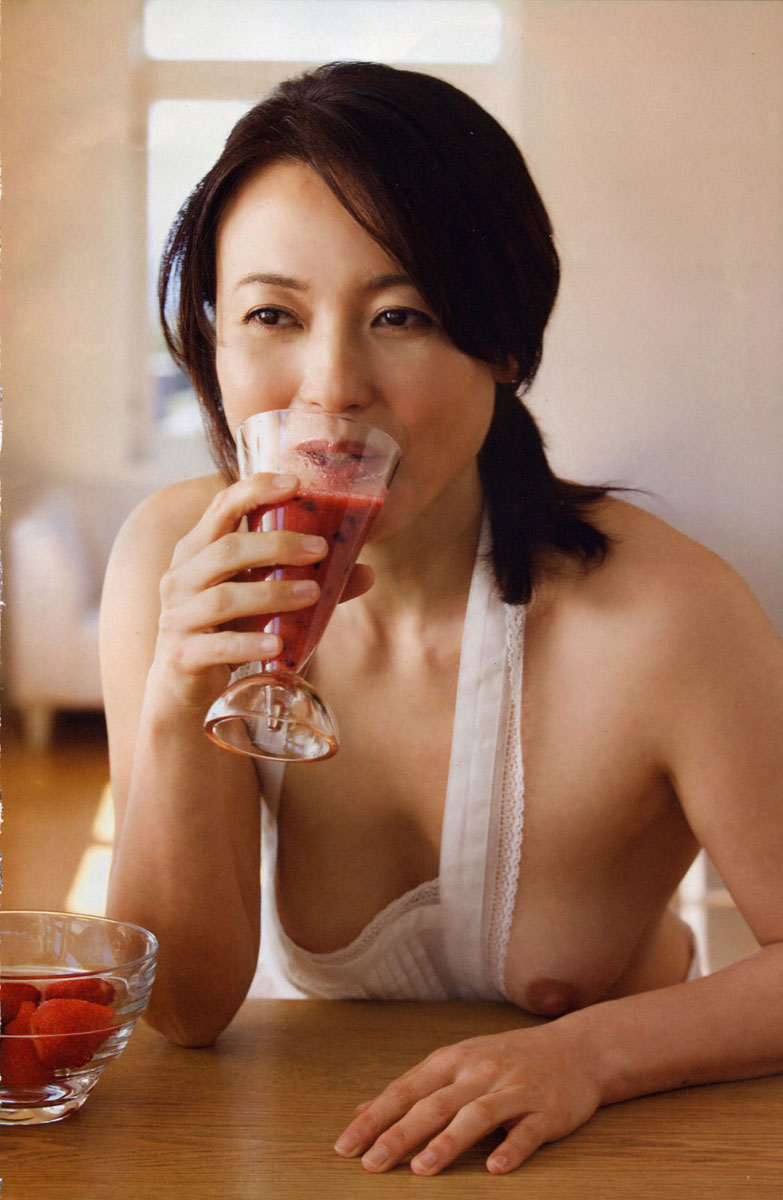【おっぱい】リアルな熟女から美魔女まで熟年ボディ独特のエロさを楽しむエロ画像【28枚】 22