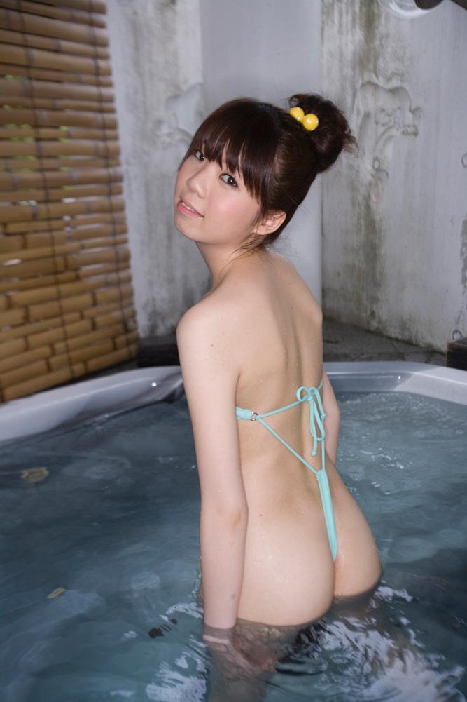 【おっぱい】例のプールを借り切って変態水着姿の巨乳なお姉ちゃんを侍らすのが夢です【32枚】 04