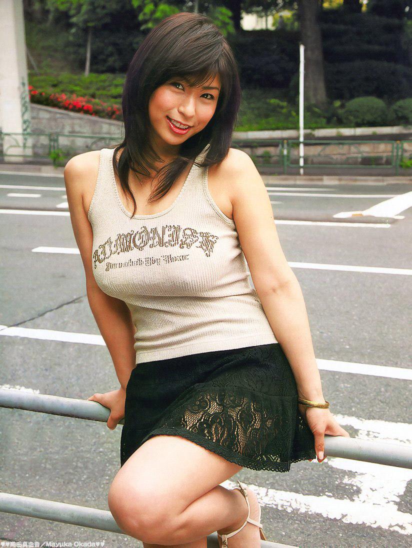 【おっぱい】プロがエロを追求した着衣巨乳は素人さんの街撮りよりもエロかったwww【33枚】 03