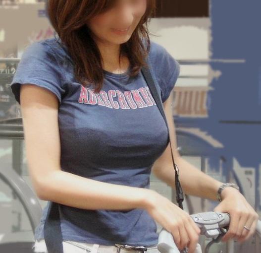 【おっぱい】プロがエロを追求した着衣巨乳は素人さんの街撮りよりもエロかったwww【33枚】 07