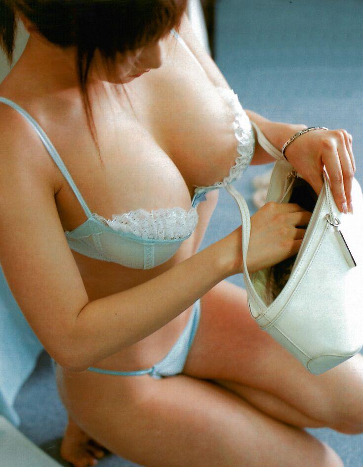 【おっぱい】貧乳を見ていると無性に巨乳とか爆乳を見たくなるよなwww【30枚】 20