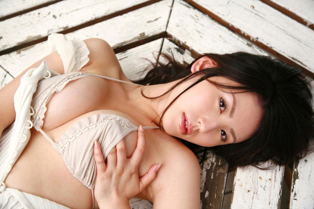 【おっぱい】貧乳を見ていると無性に巨乳とか爆乳を見たくなるよなwww【30枚】 26