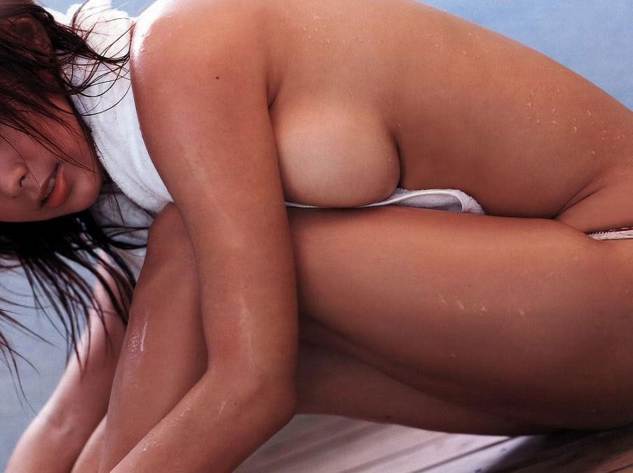 【おっぱい】思春期のようなドキドキを与えてくれる横乳のエロ画像たちwww【23枚】 13