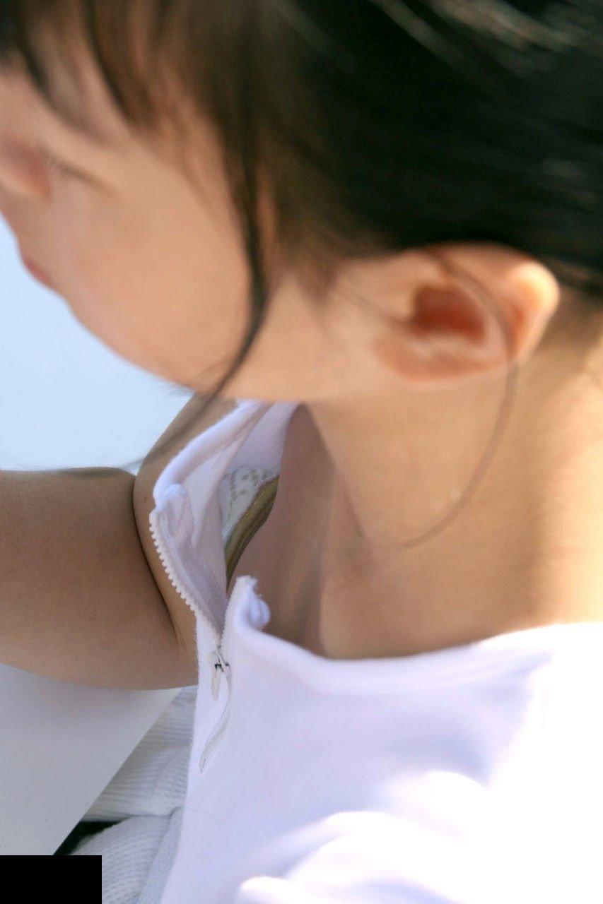 【おっぱい】ゆるふわファッションの素人さんを注視していたら必ず胸チラを拝めると聞いてwww【30枚】 01