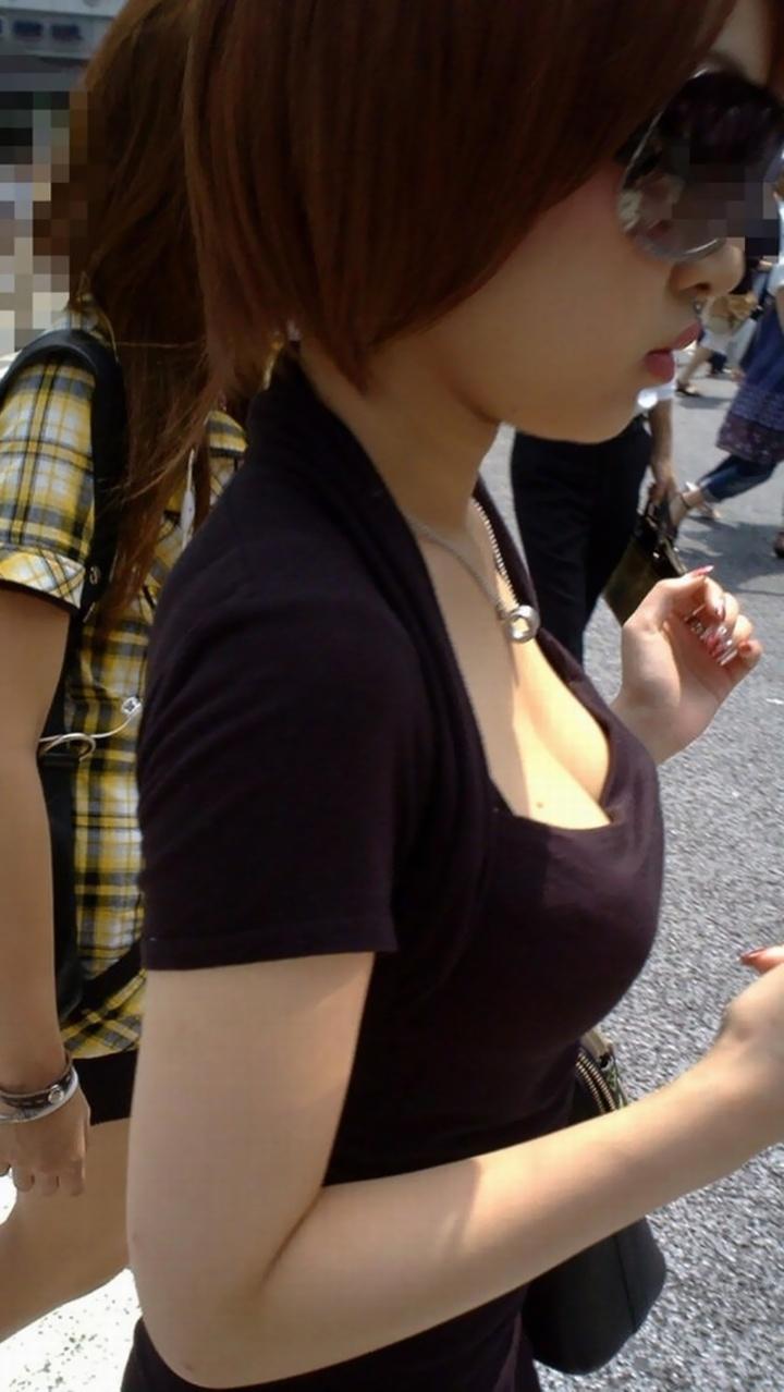 【おっぱい】ゆるふわファッションの素人さんを注視していたら必ず胸チラを拝めると聞いてwww【30枚】 23