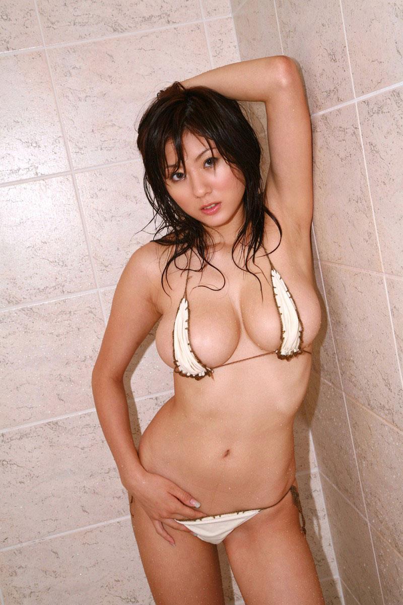 【おっぱい】プールや海水浴場にいたら絶対に止められる変態水着の数々www【30枚】 29