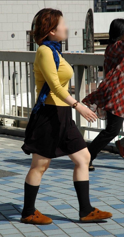 【おっぱい】巨乳であることに不便を感じるのはファッションが一番かもしれないwww【30枚】 06