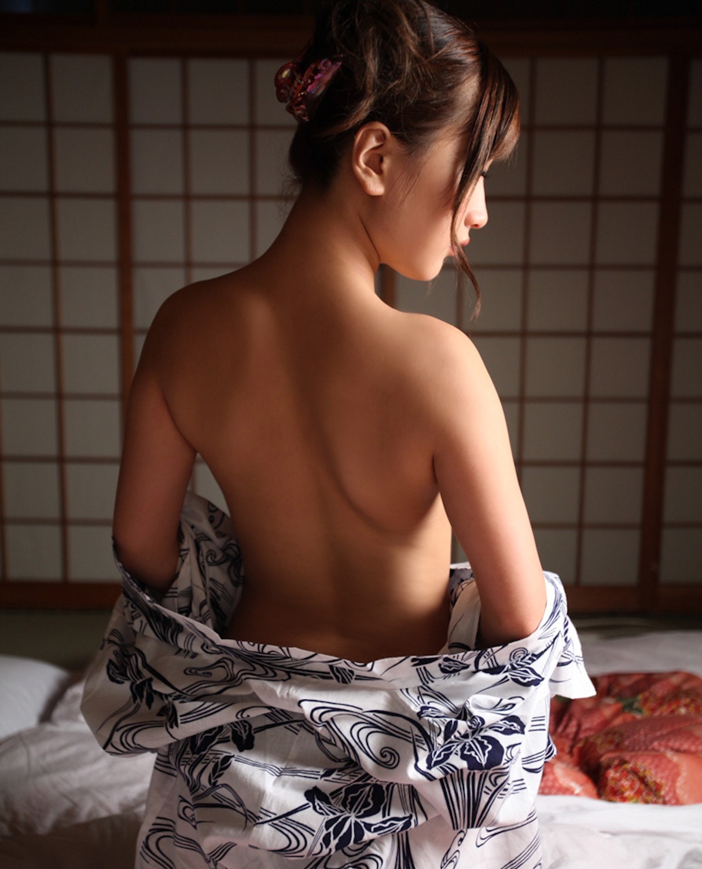 【おっぱい】日本人として安定して抜ける着物から覗くおっぱいたちwww【30枚】 12