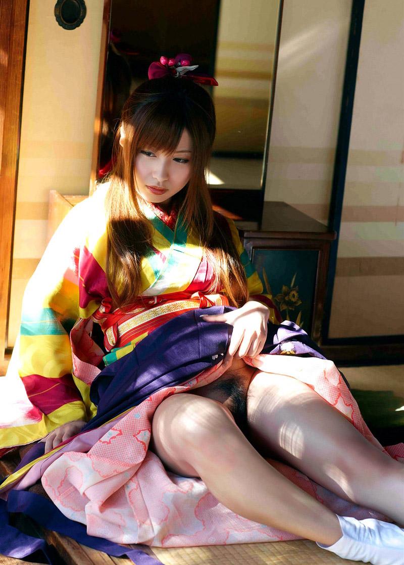 【おっぱい】日本人として安定して抜ける着物から覗くおっぱいたちwww【30枚】 19