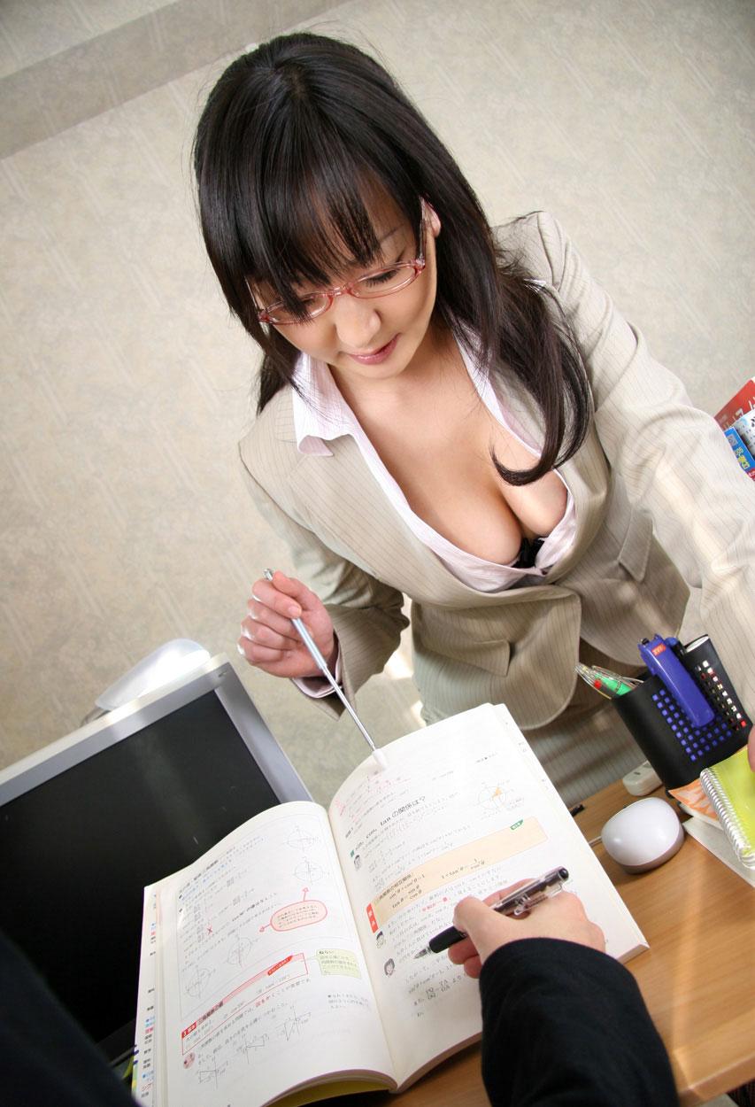 【おっぱい】学生時代に憧れた痴女っぽい女教師がここにいたwww【36枚】 15