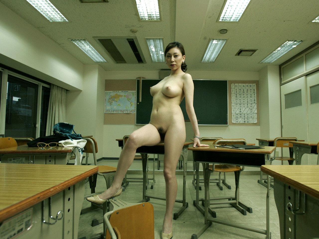 【おっぱい】学生時代に憧れた痴女っぽい女教師がここにいたwww【36枚】 35