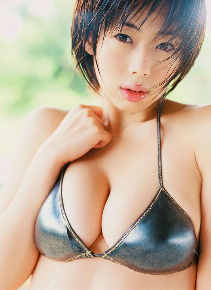 【おっぱい】少し温度が上がってきたらすぐに水着画像が恋しくなる禁断症状が...w【30枚】 29