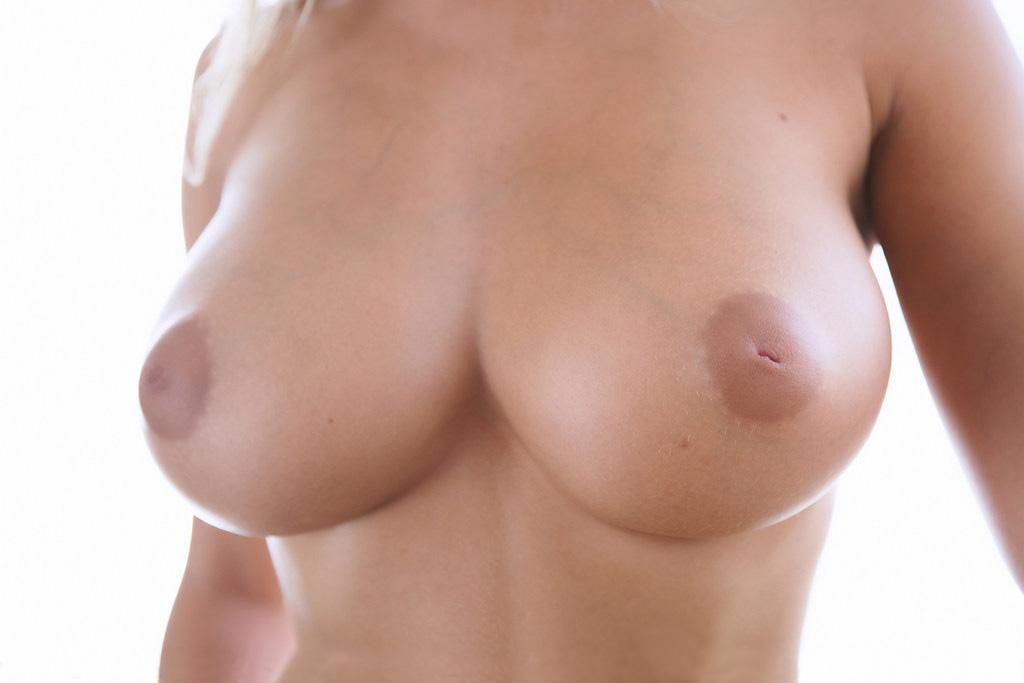 【おっぱい】大きいからか、それともそういうものなのか、陥没乳首画像まとめ【30枚】 28