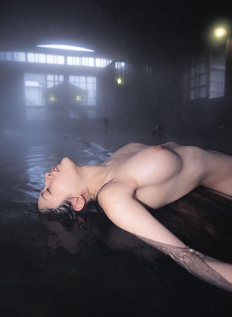【おっぱい】温泉と美乳の相性の良さが半端なくいいのはきっと湯気のせいwww【30枚】 04